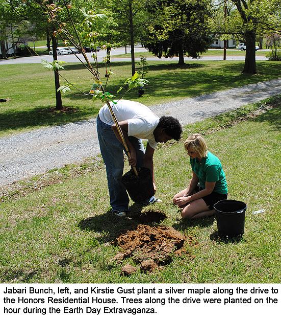 earthday_treeplanting